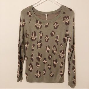 Willow & Clay cheetah print crew neck sweater